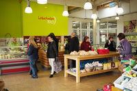 Milchladen in der Lobetaler Bio-Molkerei, Foto: Hoffnungstaler Werkstätten gGmbH